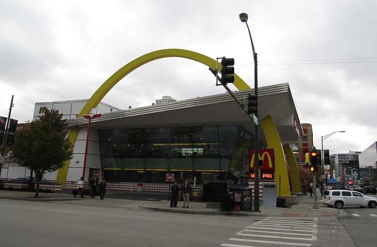 Los trabajadores demandan a McDonald's por falta de medidas de seguridad de coronavirus