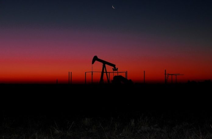 Los mercados de petróleo crudo retroceden ante la demanda incierta, realineamiento de China