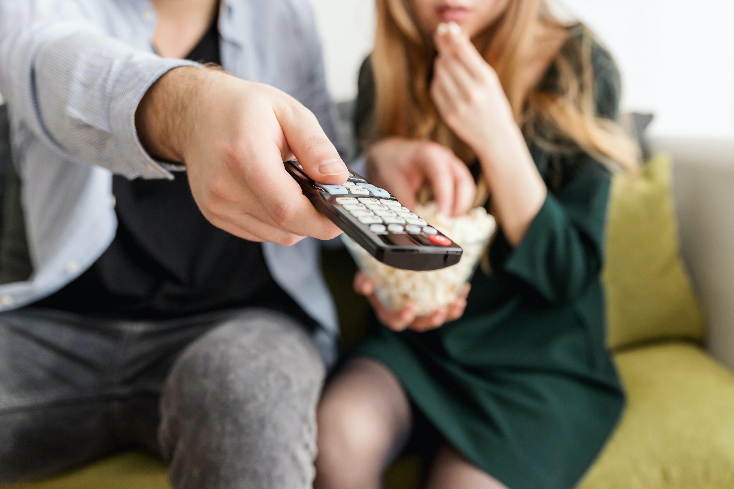 televisión-por-cable-más-barata-para-bajos-ingresos -families